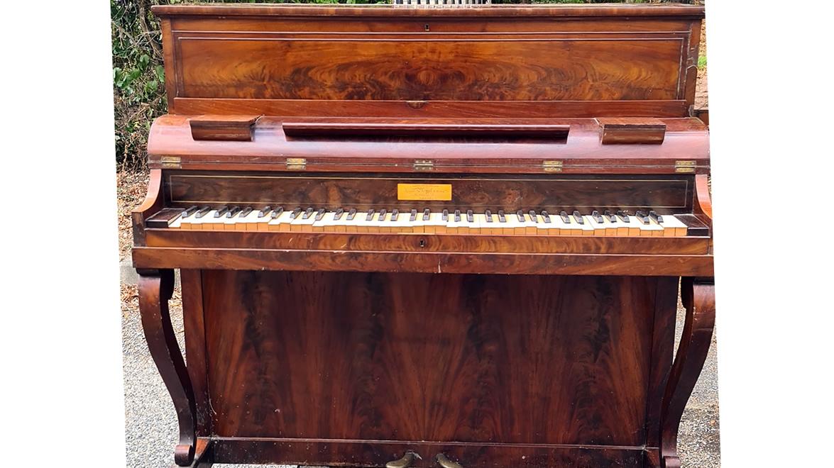PLEYEL Pianino Acajou ronceux 1840