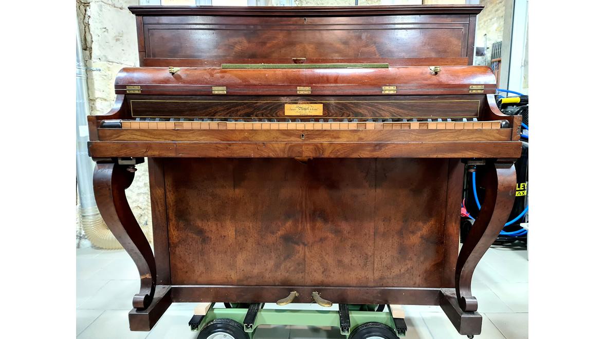 PLEYEL Pianino Acajou flammé 1836